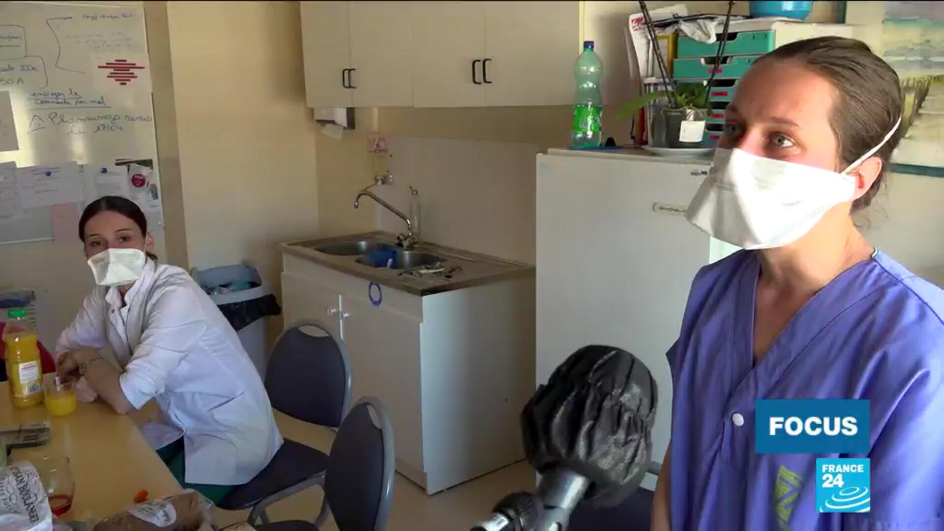 Agnès, jeune infirmière, débute sa carrière en pleine crise sanitaire du coronavirus.