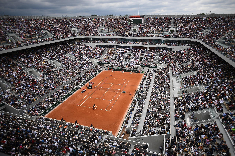 Le court Philippe Chatrier, lors de la première journée de l'édition 2019 du tournoi de tennis de Roland Garros à Paris, le 26 mai 2019.