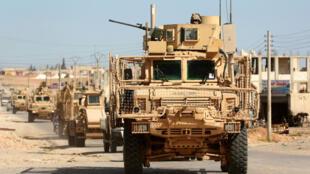 """Les YPG ont fait part du """"retrait"""" de leurs derniers """"conseillers militaires"""" de Manbij."""