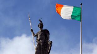 Le drapeau irlandais à Dublin, en mars 2016.