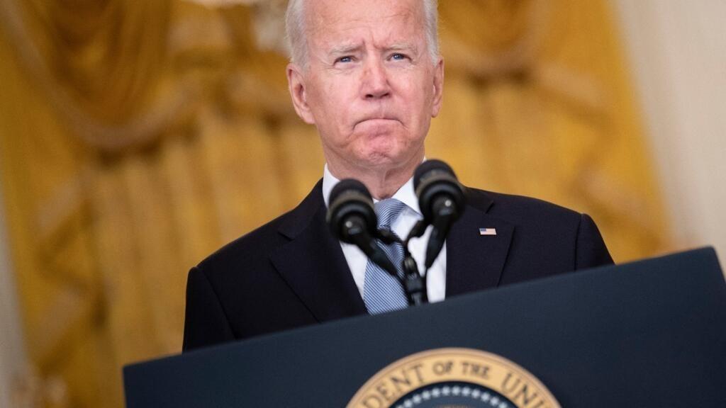 El presidente de Estados Unidos, Joe Biden, habla sobre la toma de Afganistán por parte de los Talibán, desde el Salón Este de la Casa Blanca, en Washington, DC., el 16 de agosto de 2021.