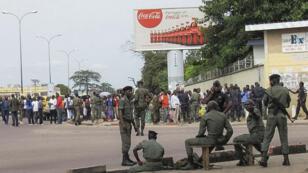 Plusieurs centaines de personnes du sud de Brazzaville sont parties se réfugier dans le nord de la capitale.
