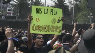 Imagen de uno de los asistentes al festival Vive Latino en Ciudad de México. 14 de marzo de 2020