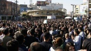 متظاهرون أكراد في السليمانية في 18 كانون الأول/ديسمبر 2017
