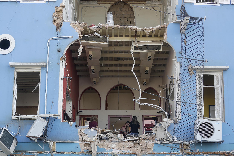 بيت مهدم في بيروت.