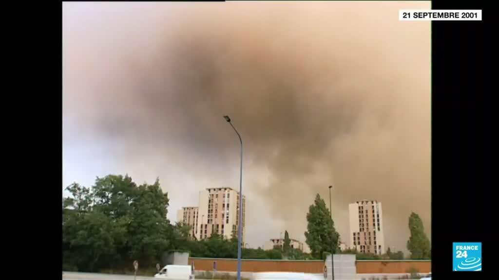 2021-09-21 10:10 Explosion de l'usine AZF : 20 ans après, hommages en ordre dispersé à Toulouse