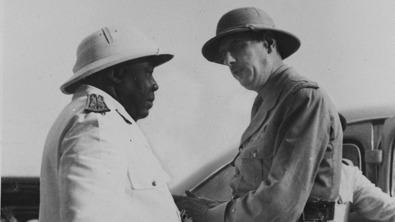 Félix Éboué, premier gouverneur à rallier la France libre, et Charles de Gaulle, au Tchad.