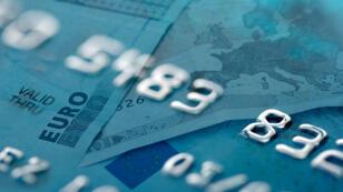 Les cartes bancaires prépayées auraient pu servir à réserver les chambres d'hôtel des terroristes en toute discrétion.