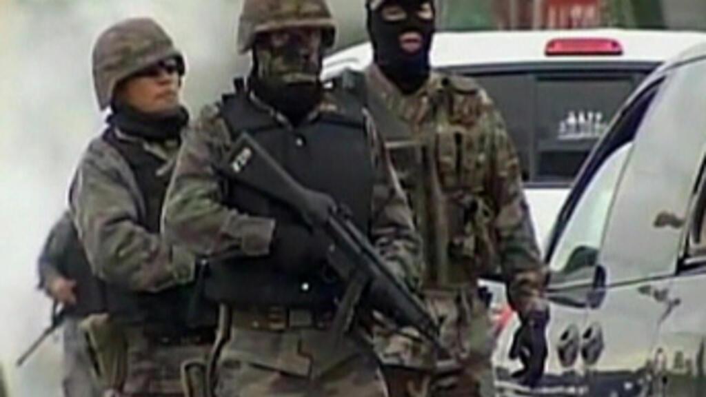 Drug cartel violence resembles 'insurgency', says Clinton