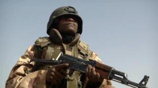 niger_fotograma_soldado