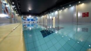 """مسبح في مركز """"محمد بن نايف للمناصحة والرعاية"""""""