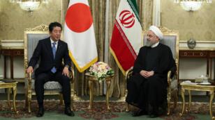 Le président iranien Hassan Rohani a reçu le Premier ministre japonais Shinzo Abe au palais présidentiel de Saad Abad à Téhéran, le 12 juin 2019.
