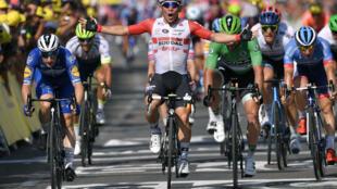 L'Australien Cabel Ewan au sprint à Nîmes lors de la 16e étape du Tour de France, le 23 juillet.