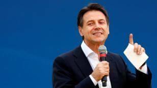 Le chef du gouvernement italien, Giuseppe Conte, lors d'un meeting du Mouvement 5 étoiles, le 21 octobre 2018, à Rome.