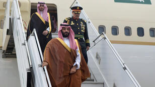 El príncipe heredero de Arabia Saudita, Mohamed bin Salmán, llega a Buenos Aires, Argentina, el 28 de noviembre de 2018.
