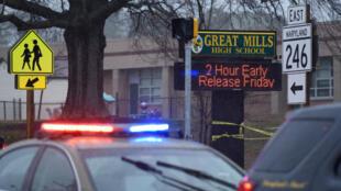 Un estudiante que disparó e hirió a dos jóvenes en la secundaria Great Mills fue abatido posteriormente por un official de seguridad armado