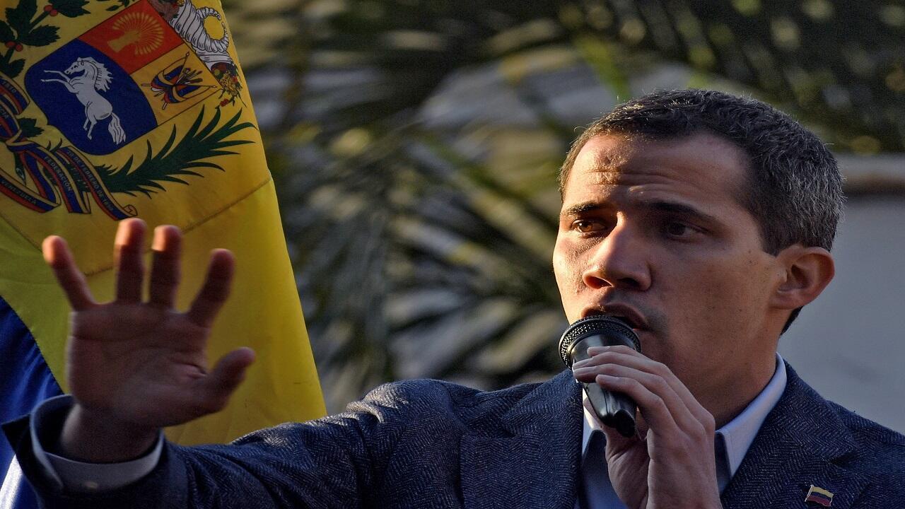 ألقى زعيم المعارضة الفنزويلية خوان غويدو خطابا خلال تجمع حاشد في  كاراكاس - 5 أبريل/نيسان 2019.