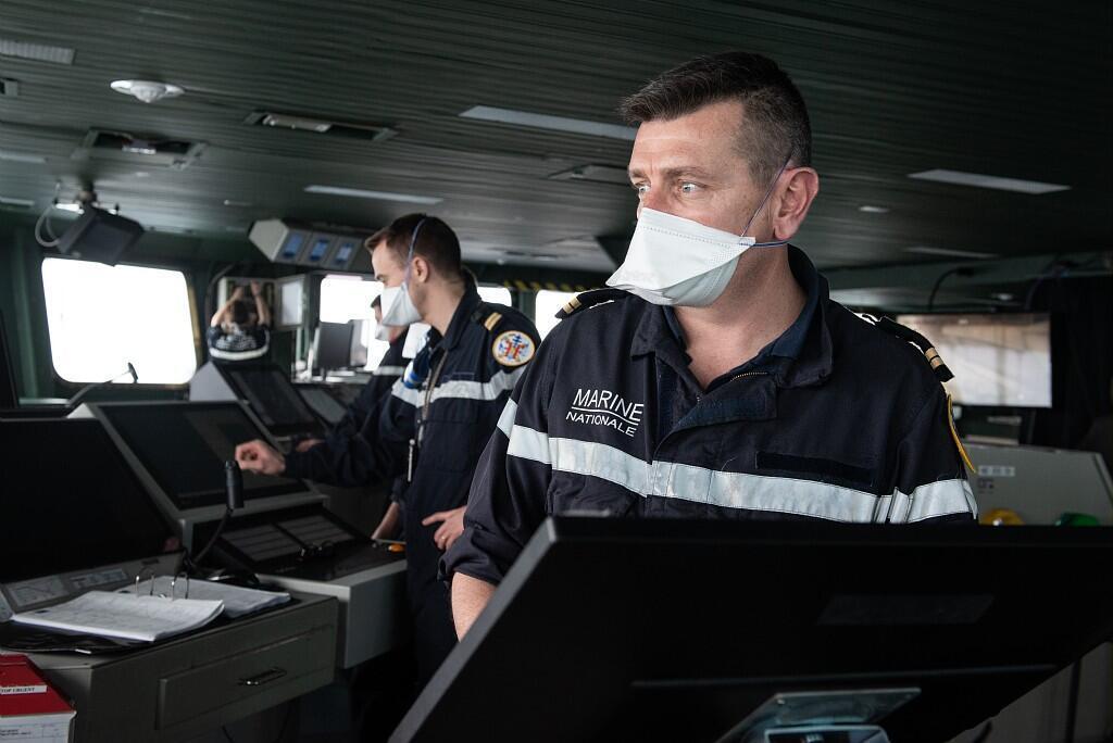 Plusieurs centaines de cas de covid-19 ont été confirmés à bord du porte-avion français, le Charles de Gaulle, le 15 avril 2020.