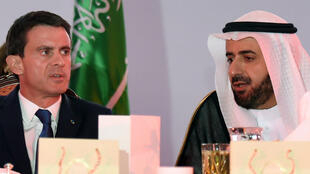 Le Premier ministre Manuel Valls en compagnie du ministre du commerce saoudien, le 12 octobre 2015.