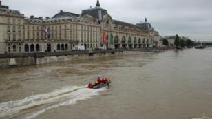 Le niveau de la Seine est monté au début du mois de juin 2016 à une hauteur jamais atteinte depuis 30 ans.