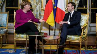 Emmanuel Macron y Angela Merkel en el Palacio del Elíseo, en París, el 19 de enero del 2018.