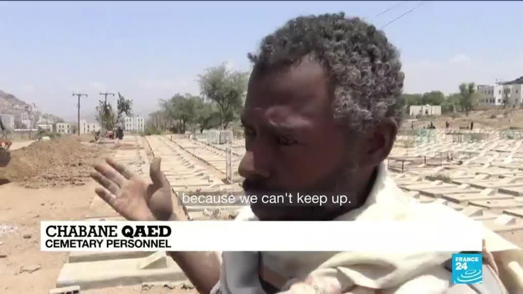 2021-04-09 11:13 Yemen gravediggers, bulldozer join forces against Covid-19