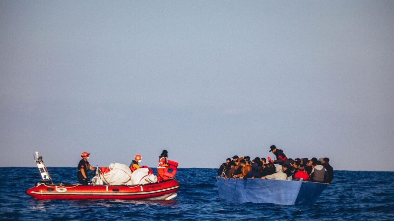 Italie : près de 400 migrants débarqués sur une plage en Sicile
