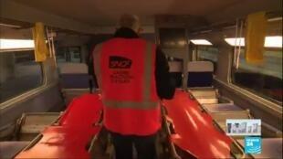 2020-04-01 14:00 Coronavirus : Aux côtés des personnels de la SNCF volontaires pour les transferts médicalisés