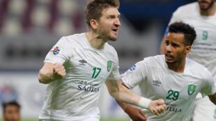 مهاجم أهلي جدة السعودي الدولي الألماني السابق ماركو مارين يحتفل بهدف الفوز في مرمى الشرطة العراقي (1-صفر) في دور المجموعات لمسابقة دوري أبطال آسيا في 14 ايلول/سبتمبر 2020.
