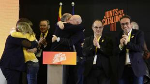 Les membres du parti de Carles Puigdemont, Ensemble pour la Catalogne, le 21 décembre.