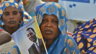 Des partisans du président sortant Idriss Déby Itno, vendredi 8 avril 2016, lors d'un meeting à N'Djamena, au Tchad.