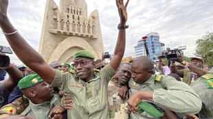 Colonel Malick Diaw (C), vice-president of the CNSP (National Committee for the Salvation of the People) at a rally in Bamako, Mali Aug. 21, 2020.