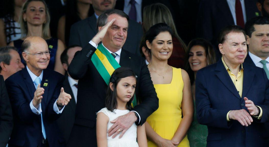 El presidente de Brasil, Jair Bolsonaro,en la tarima desde donde presenció el desfile militar por la conmemoración del día de la independencia en su país, en Brasilia, el 7 de septiembre de 2019.