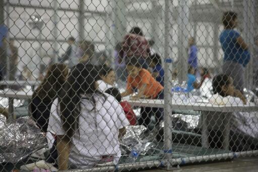 Inmigrantes indocumentados en un centro de detención en Texas. Cuatro estados de Estados Unidos se niegan a desplegar tropas de la Guardia Nacional en la frontera con México por la política de separar a los hijos de inmigrantes ilegales de sus padres