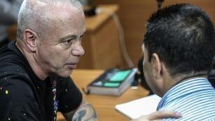 John Jairo Velásquez Vásquez, alias 'Popeye', en una corte junto a su abogado luego de ser capturado en Medellín, Colombia, el 25 de mayo de 2018.
