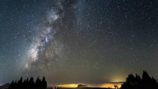 Une photo des étoiles filantes prise depuis les Canaries par Juan Fco. Marrero.