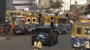 Les cars rapides sont une institution au Sénégal.