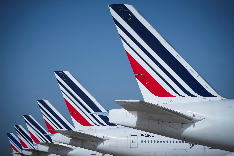طائرات إير فرانس متوقفة على مدارج مطار رواسي شارل ديغول الفرنسي، شمال باريس، 7 أغسطس/ آب 2018