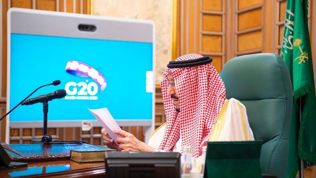 الملك سلمان يوجه كلمة عبر الفيديو أمام القمة الافتراضية لزعماء دول مجموعة العشرين، 26 مارس/آذار 2020.
