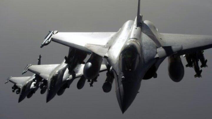 """طائرات تابعة للتحالف الدولي ضد تنظيم """"الدولة الإسلامية"""""""