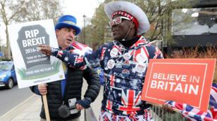 Les parlementaires britanniques doivent voter jeudi 14 mars sur un report du Brexit assorti d'un accord.