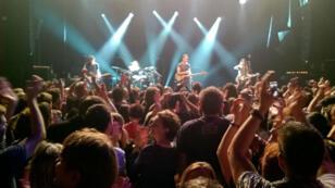 Sting a débuté samedi soir par une minute de silence en hommage aux victimes le concert de réouverture du Bataclan.