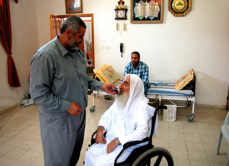 DP_3_PALESTINIANS-GAZA-HAMAS-HANIYEH