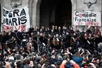Paris Opera musicians serenade public in pension reform protest