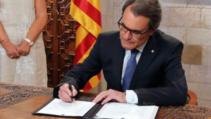 رئيس إقليم كاتالونيا، القومي ارثور ماس.