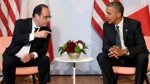 French President François Hollande and President Barack Obama meet on the sidelines of the G7 meeting in Germany on June 8, 2015