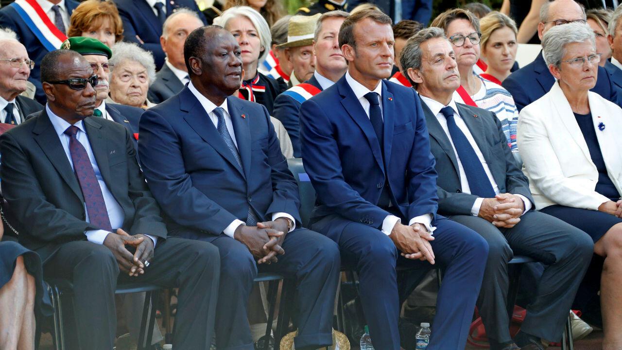 الرئيس الفرنسي إيمانويل ماكرون برفقة الرئيسين الإيفواري الحسن واتارا والغيني آلفا كوندي والرئيس الأسبق نيكولا ساركوزي في الذكرى 75 لإنزال بروفانس