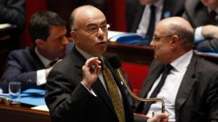 Bernard Cazeneuve le 19 novembre 2015 à l'Assemblée lors du débat sur la prolongation de l'état d'urgence.