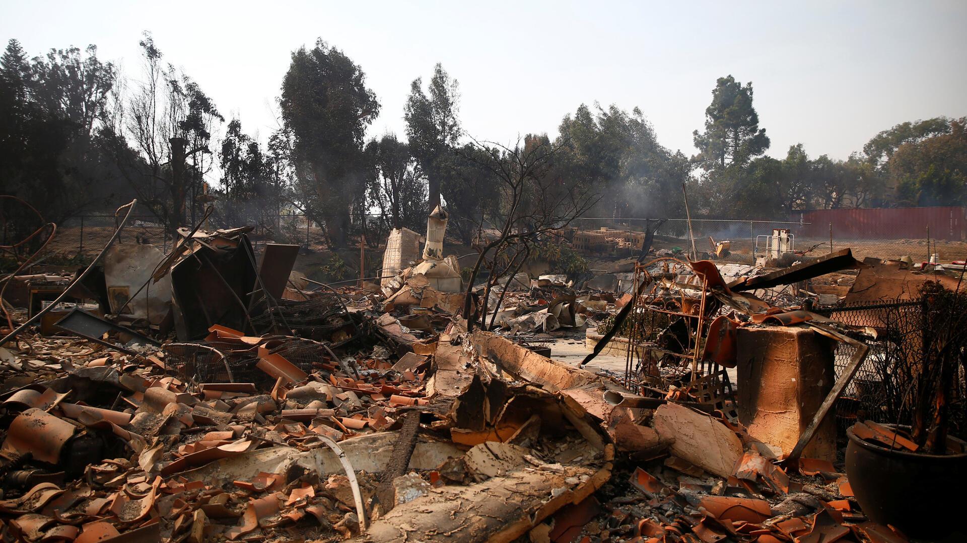 El mortal incendio ha dejado centenares de escenas apocalípticas, como esta en Malibu.