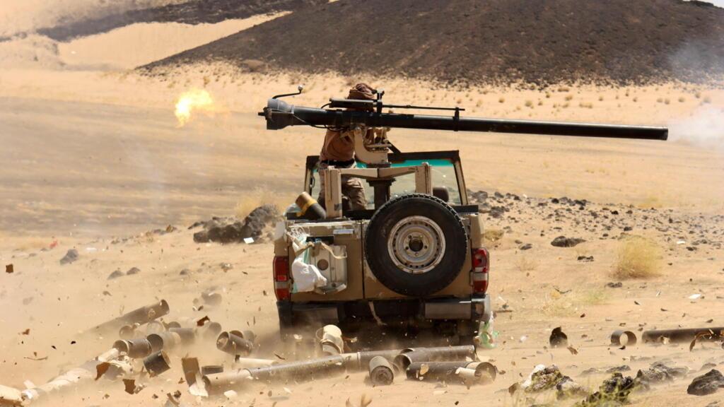 اليمن: 50 قتيلا على الأقل في المعارك بين القوات الحكومية والحوثيين قرب مأرب thumbnail